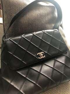 CHANEL Lambskin Matelasse Shoulder Bag