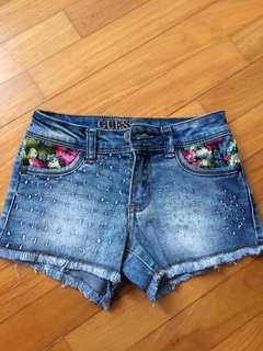 🚚 Guess Denim Shorts