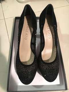 Staccato women high heels黑色高跟鞋