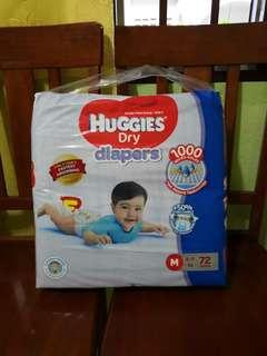 HUGGIES DRY DIAPERS SIZE M72