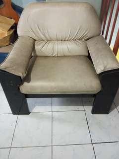 Sofa 1 seater (SUDAH DAPAT 2)