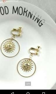 🚚 金色圓圈太陽女神耳夾耳環