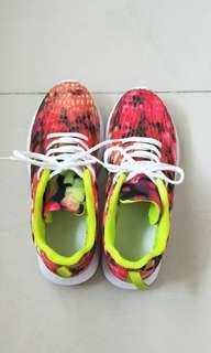 🚚 Women sneaker