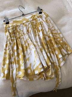 Incyda the Label papillon mustard print tie front shorts, size 6