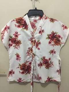 Flowery kimono blouse