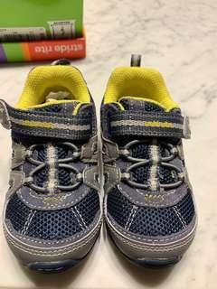 🚚 Stride rite toddler sandals size 6W