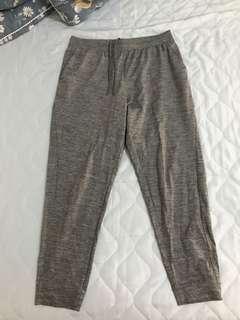 🚚 Uniqlo 灰色棉褲