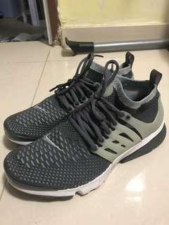 Nike air presto not off white yeezy flyknit ultra boost