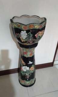 收藏30年陶瓷浮雕花架