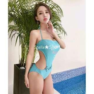 Stella✿SHOP S1245水藍與黑×字母印花平口抹繞脖綁帶腰側挖空露背連身泳裝溫泉泳衣胸墊比基尼/2色 - 預購