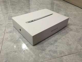 Apple MacBook Air BOX