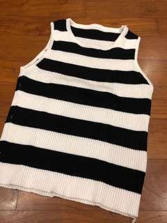 black white knit crop tee