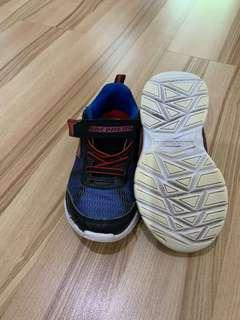 Sepatu bayi, skechers ada lampu umur 2