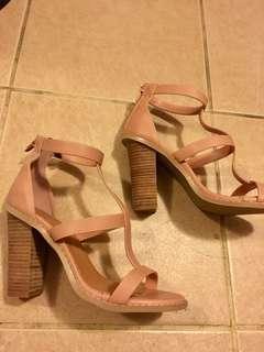 Bnwot Rubi Tan Nude Block Heels Size 38/7