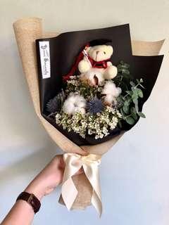 🚚 🎓 Graduation Bouquet // Dried flower bouquet / Rustic bouquet 🍃