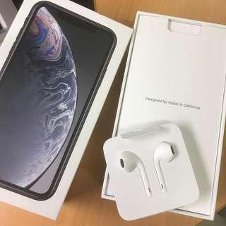 🚚 Brand New Apple Iphone Earpods Headphones Lightning Cable Connection [AUTHENTIC]
