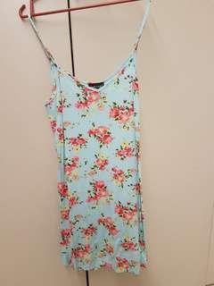 🚚 Wetseal Floral Dress