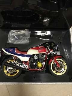 1/6 Honda CB 1100R