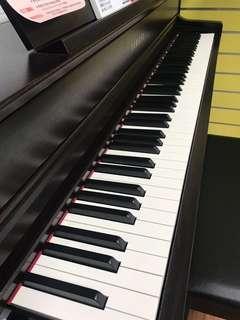 小岡樂器嚴選 Yamaha CLP-645 電鋼琴