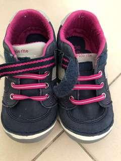 🚚 Stride Rite Shoes used