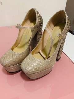 新款金色水鑽高跟鞋