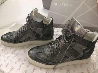 Black High Hells Shoe