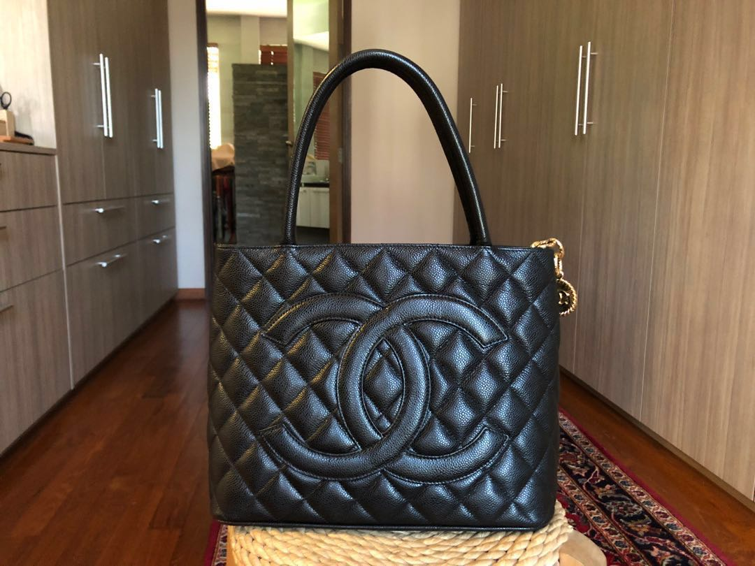 655fa58e55f16a Authentic Chanel Caviar Quilted Medallion Tote in Black, Luxury ...