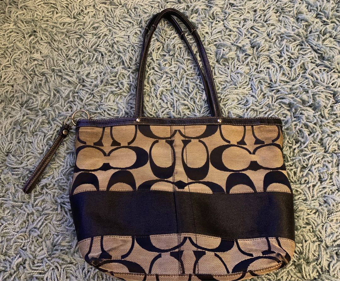 29283be06 Authentic Coach Bag, Women's Fashion, Bags & Wallets, Handbags on ...