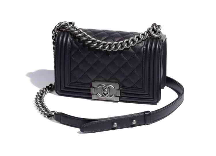 80ff18ab3b6d BRAND NEW 100% Authentic Chanel Small Boy Bag, Women's Fashion, Bags &  Wallets, Handbags on Carousell