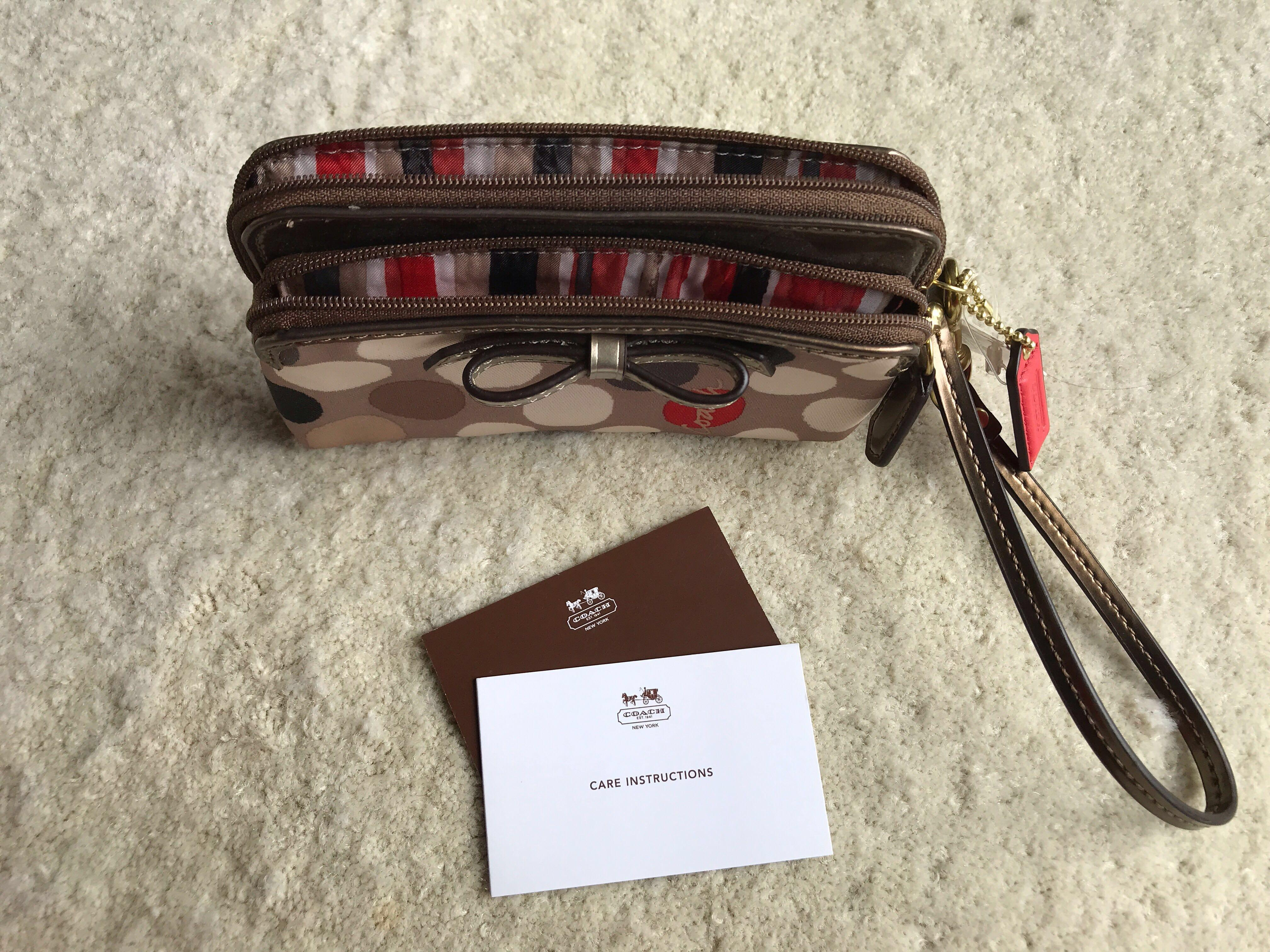 Coach purse/pouch