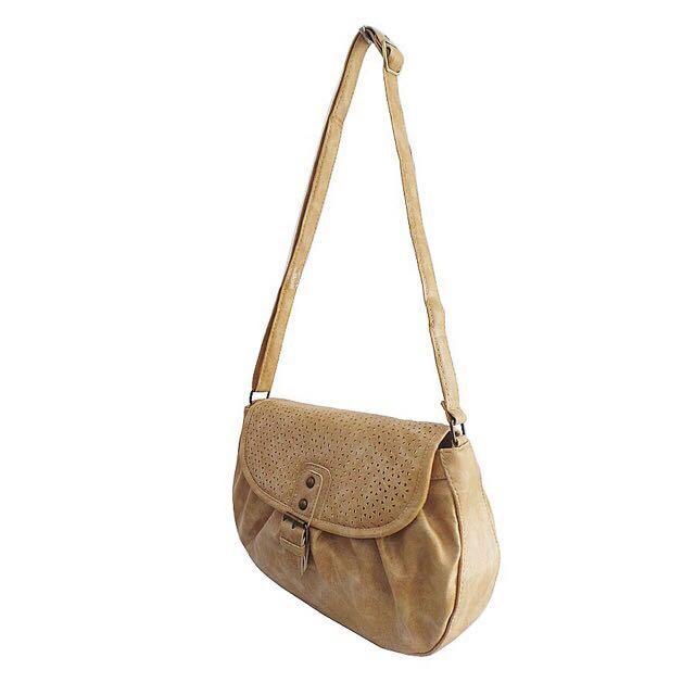 Hers Bags Keisya Sling Bag Krem / slingbag tas selempang wanita kulit