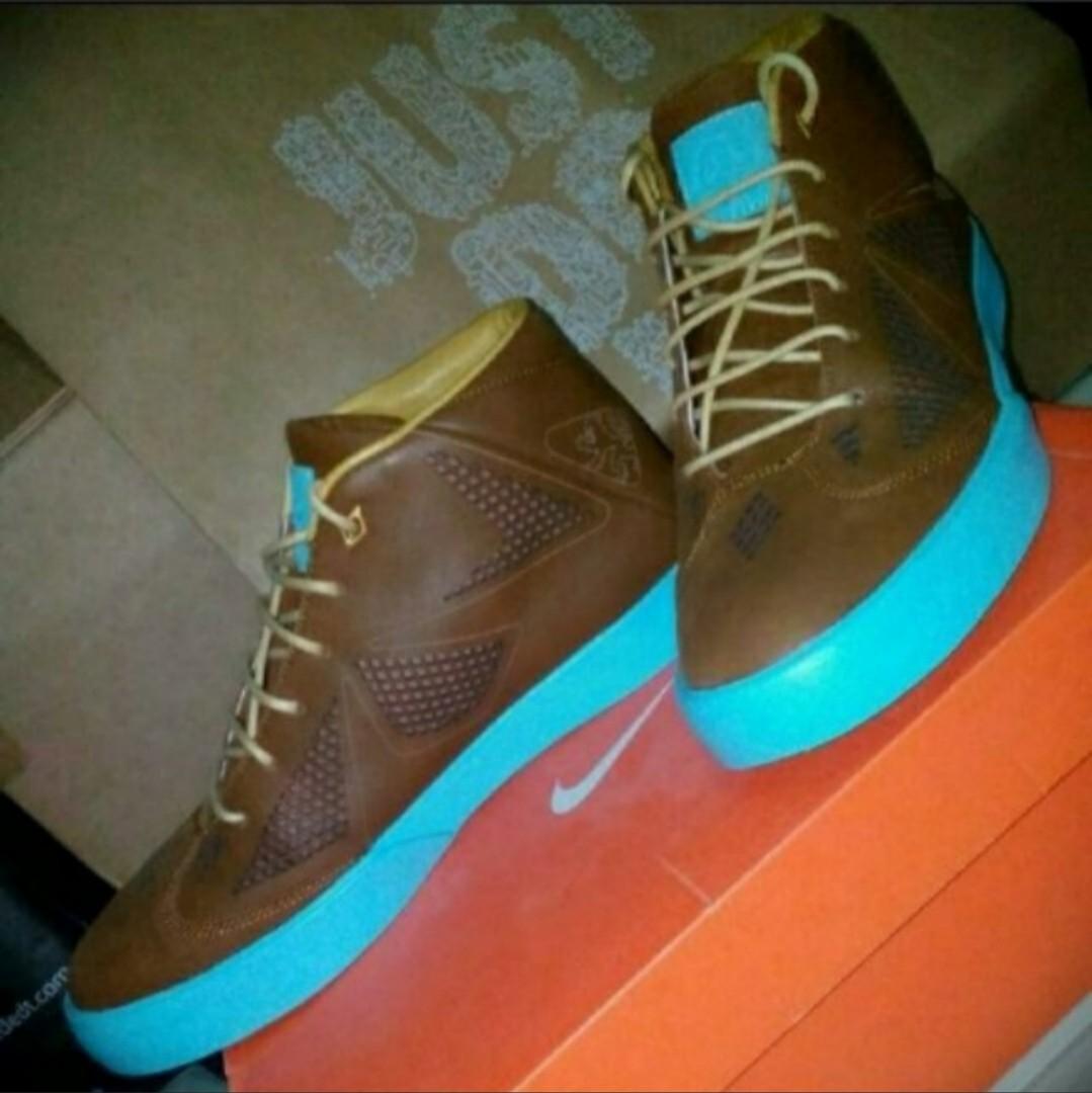 online store 2721b b47e1 Nike LEBRON X NSW LIFESTYLE, Men s Fashion, Footwear, Sneakers on ...