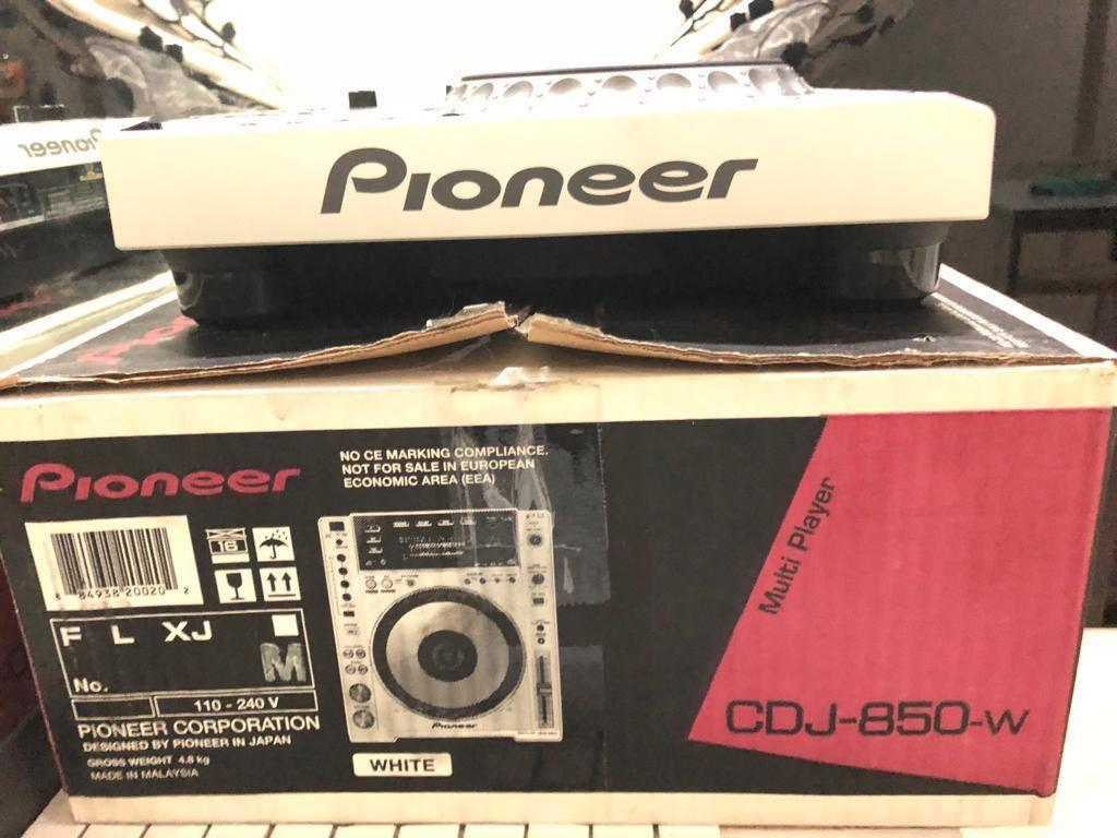 Pioneer cdj 850 W dj turn disk, Electronics, Audio on Carousell