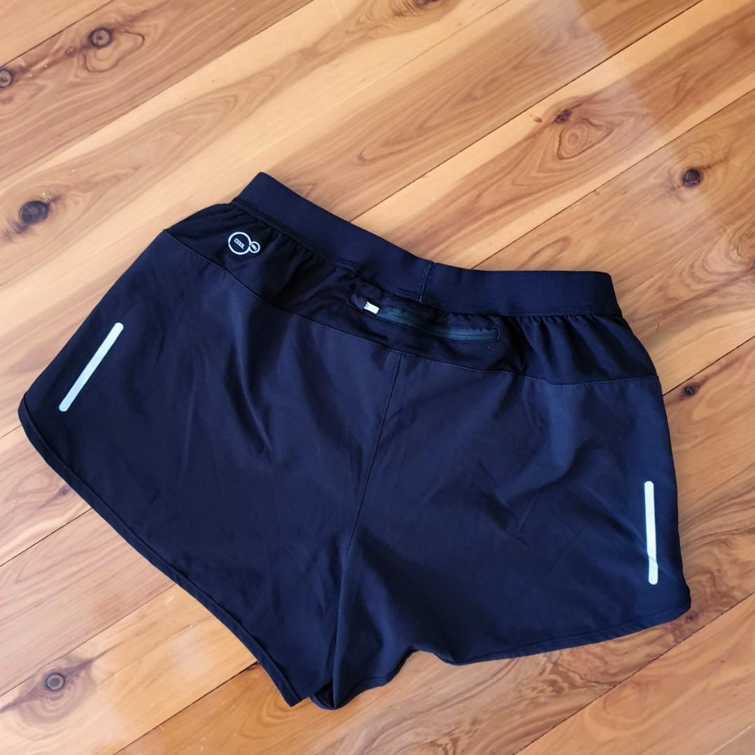 Women's size 10 'PUMA' Cool cell black activewear shorts - AS NEW