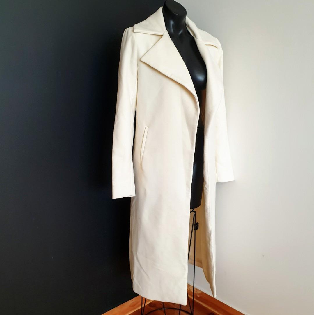 Women's size 4 'MISSGUIDED' Stunning ivory midi coat - BNWT RRP$130