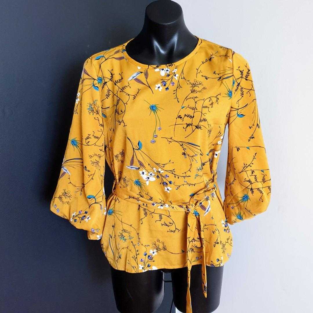 Women's size 8 'TEMT' Gorgeous mustard yellow floral print blouse - AS NEW