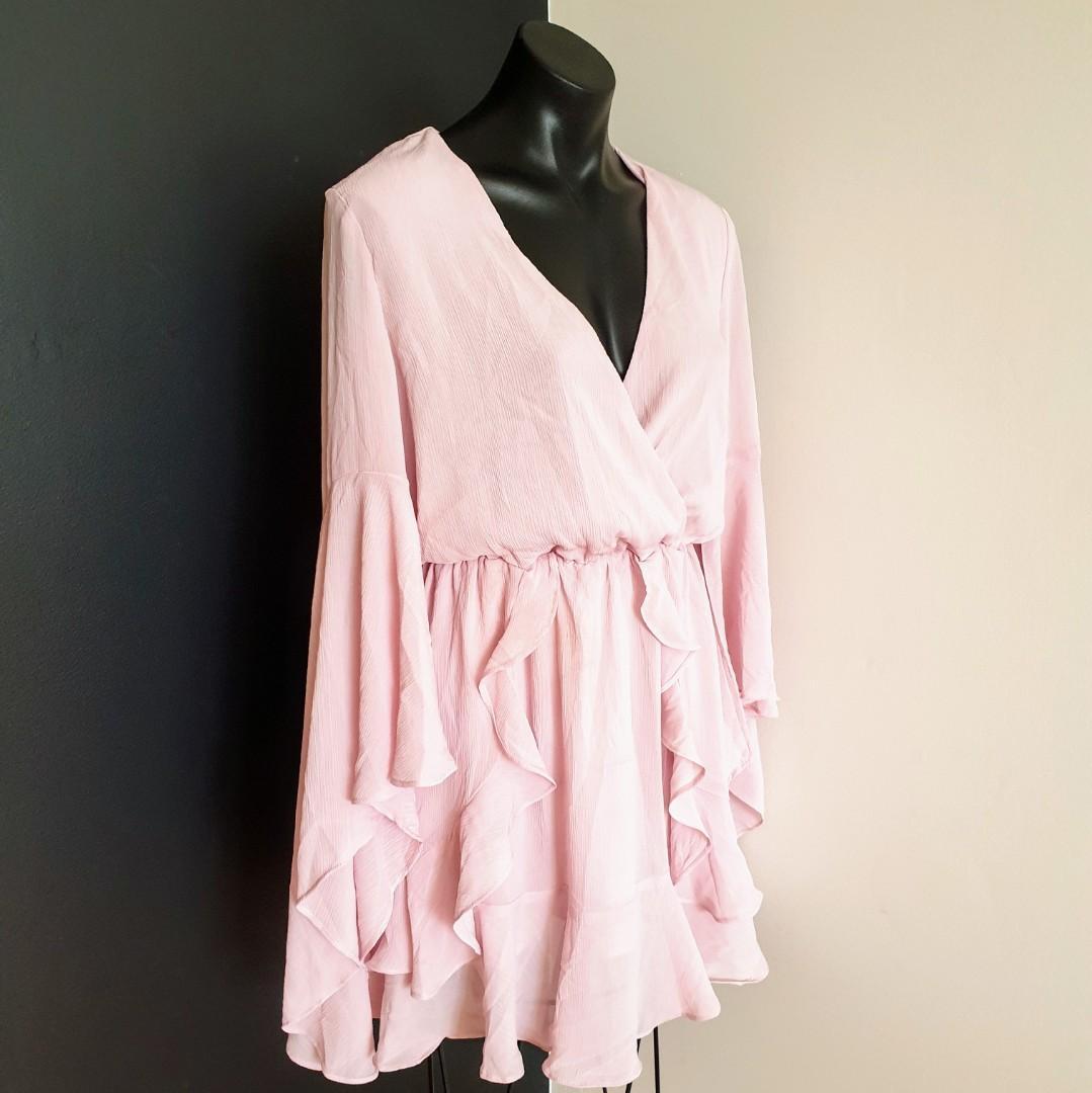 Women's size 8 'TUSSAH' Stunning harper plunge light pink mini dress - BNWT