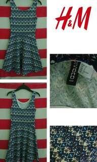 [Buy 1 Get 1] Buy H&M dress free conextion tee