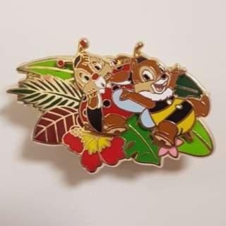 Disney pin 迪士尼徽章 Chip and Dale