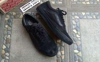 Vans black,Chekerboard slip on/lases