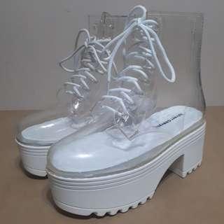 Jeffrey Campbell Waterproof Clear Fog Boots Size 7