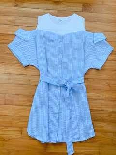 🚚 Off shoulder blue striped dress with sash
