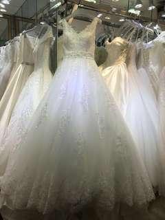 Wedding dress背心V領拖尾婚紗