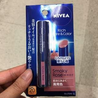 (包郵)全新Nivea Rich Care & Color Smoky Rose潤唇膏 SPF20PA++