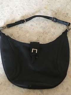 Preloved Longchamp Leather Shoulder Bag