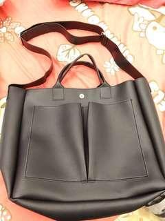 Mizzue 大容量雙前口袋兩用手提包