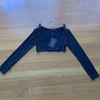 Black Ribbed Long Sleeved Crop Top