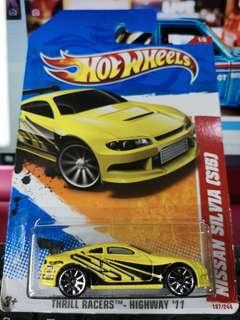 Hot Wheels Thrill Racers - Highway '11 Nissan Silvia (S15)