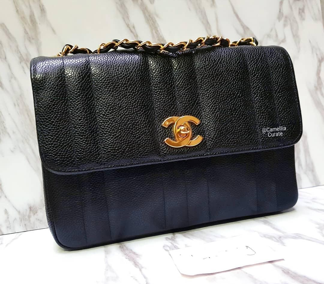 afe532b0 100% AUTH] CHANEL Vertical Lines Vintage medium Small Classic Flap ...