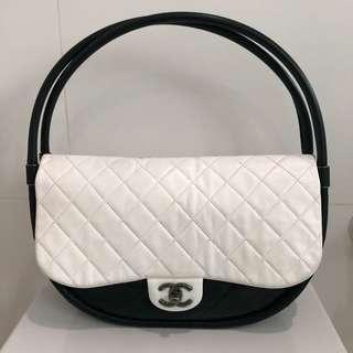 🚚 Chanel Hula Hoop Bag - cleaned & restored